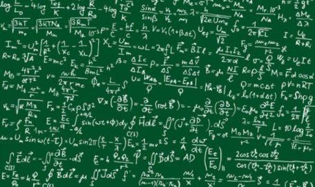 formules-mathematiques-vectorielles-version-manuscrite_34-51892-626x372